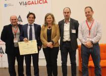El director de Xesgalicia, Juan Cividanes, con los emprendedores de ViaGalicia en Porto do Molle